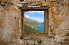 Il lago del Moncenisio visto da una delle finestre dell'osservatorio.